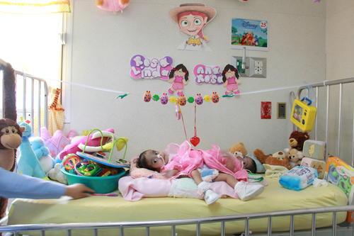 Así celebraron su primer año Las Rositas, las siamesas que están unidas por la cadera, y que serán operadas en los próximos meses.