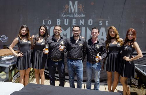 Carlos Duarte, coordinador de asuntos corporativos de Ambev Centroamérica, Hugo Ramírez, brand manager de cerveza Modelo y José Castejón, gerente de experiencia de Ambev Centroamérica, dieron a conocer la nueva campaña de Cerveza Modelo. (Foto: George Rojas/Soy502)