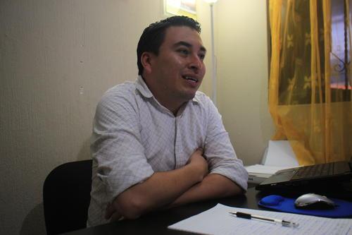 El pastor Carlos Arías explicó porqué los novios tomaron la decisión de suspender la boda. (Foto: Alejandro Balán/Soy502)