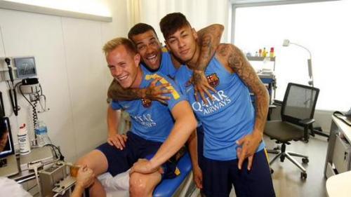 Ter Stegen, Alves y Neymar se encuentran en las pruebas médicas. Los brasileños también se reincorporan a los entrenamientos.