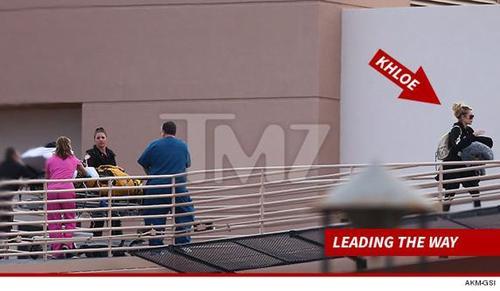Khloé no se ha separado ni un minuto de su aún esposo el ex basquetbolista Lamar Odom.