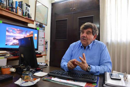 Oscar Peralta asegura que en el contrato de 2010 Grupo Fénix ofreció reforzar el puente Belice, con una doble armadura como base. (Foto: Jesús Alfonso/Soy502)