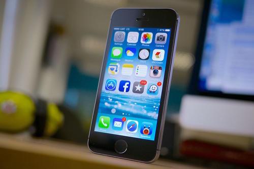 Los IPhones 5S y 5C, que no han sido actualizados en dos años. (Foto: www.enter.co)