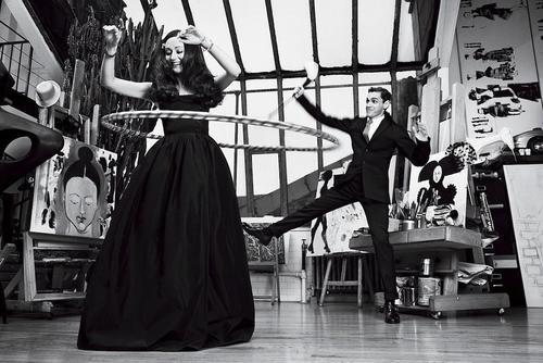 Isabel y Ruben Toledo en su taller artístico. (Foto: boundlessbeauty)
