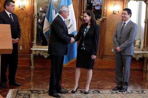Ancheta fue juramentada como viceministra del Ministerio de Energía y Minas por Otto Pérez Molina. (Foto: Archivo/Soy502)