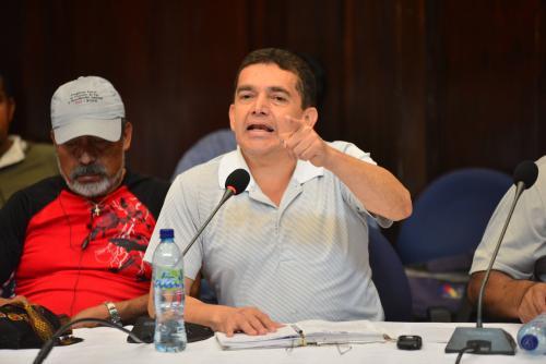 """Joviel Acevedo, dirigente magisterial, arremetió contra los medios de comunicación que """"tergiversan"""" sus declaraciones. (Foto: Jesús Alfonso/Soy502)"""