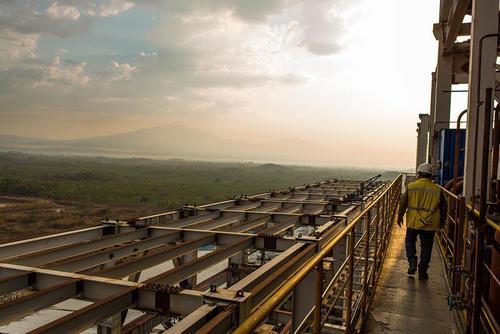 El tráfico de influencias entre la Presidencia y Jaguar Energy, según la CICIG, es innegable pues se utilizó para beneficiar los atrasos para terminar el proyecto. (Foto: Jaguar Energy)