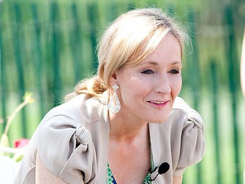 J. K. Rowling fue despedida de su trabajo por fantasear. (Foto: businessinsider.com)