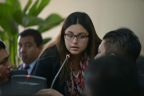 Joan Ponce fue representante legal de la empresa Fulanos y Menganos en el momento en que el hijo del presidente facilitó la factura al Registro de la Propiedad para el cobro de 90 mil quetzales por un servicio que según el MP no se realizó. (Foto: Wilder López/Soy502)