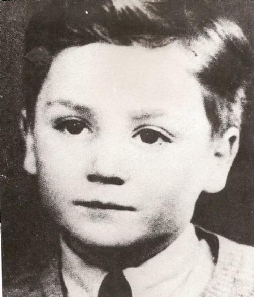 """Lennon formó la banda de rock más escuchada y amada de todos los tiempos: """"The Beatles""""."""