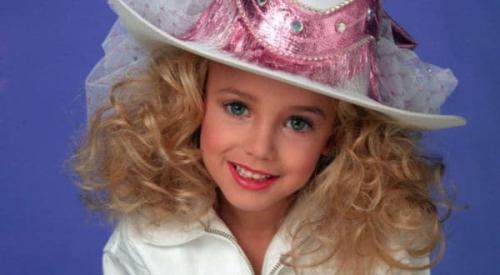 JonBenét Ramsey murió estrangulada a la edad de 6 años. (Foto: Infobae)