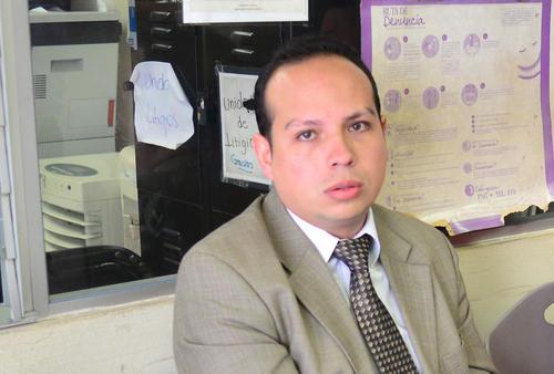 Jorge Mario Cajas trabajador del MARN es ligado por asociación ilícita y fraude.