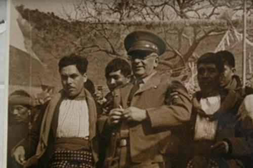 Jorge Ubico concentraba el poder y despachaba asuntos personalmente con los alcaldes y cofrades del país.