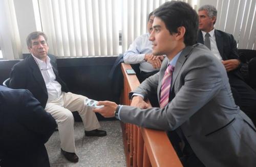 Durante la última audiencia, Arturo Morales solicitó que su padre fuera beneficiado con arresto domiciliario y logró una respuesta positiva. (Foto: Alejandro Balán/Soy502)