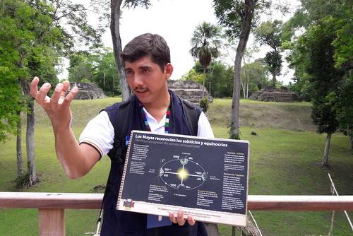 Juan Ariel Pop nació y creció en Uaxactún. Quiere mejorar sus ingresos y los de su comunidad con el turismo. (Foto: Javier Lainfiesta/Soy502)