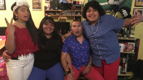 Su familia lo ha apoyado mucho a alcanzar sus sueños. (Foto: Hoy Los Ángeles)