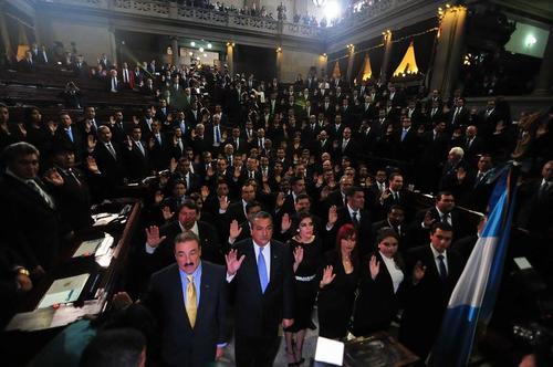 Los diputados de nuevo ingreso fueron juramentados en el Congreso. (Foto: Alejandro Balan/Soy502)