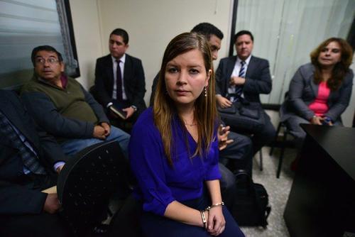 Karen Paola Cancinos firmó un contrato inexistente para poder cobrar las comisiones de Martínez.  (Foto: Wilder López/Soy502)