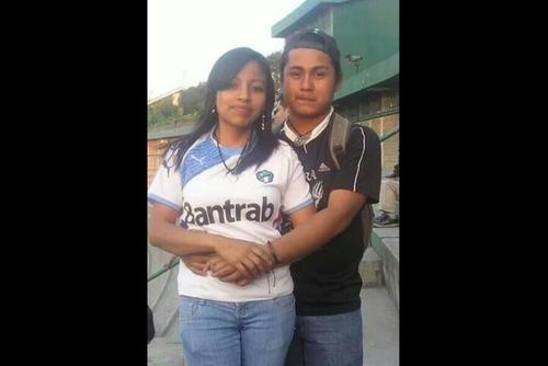 Kevin Díaz -junto a su novia-  falleció a consecuencia de golpes propinados según el MP por aficionados rojos. (Foto: Archivo)