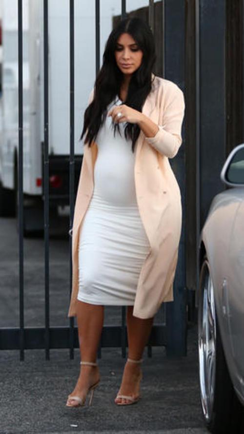 Kim ya tiene cinco meses y estaría esperando a su hijo en diciembre del 2015.