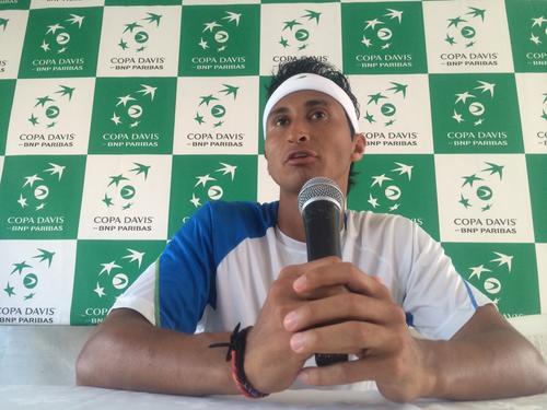 Christopher Díaz, en la conferencia de prensa, al concluir su juego de Copa Davis. (Foto: Luis Barrios/Soy502)