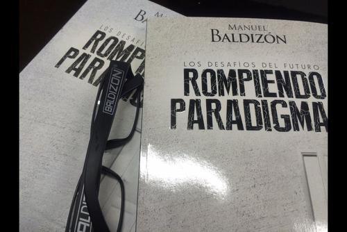 """Los lentes """"Baldizón"""" eran vendidos en la sede del Partido Lider. (Foto: Archivo/Soy502)"""