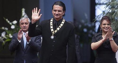 Sin embargo, muchas personas lo criticaron porque él recibió la Orden del Quetzal por parte de los mandatarios cuestionados. (Foto: AFP)