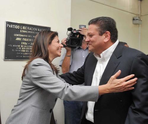 El candidato de Liberación Nacional, Johnny Araya, ha sufrido la erosión provocada por los escándalos de corrupción del gobierno de Laura Chinchilla.