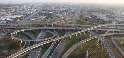 La autopista Lyndon B. Johnson (LBJ Expressway) construida y administrada por Ferrovial en Dallas, cuenta con  21.4 kilómetros de longitud. (Foto: Ferrovial)