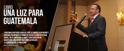 El exviceministro capturado escribió un libro luego de salir del Gobierno del Partido Patriota. (Foto: Manfredopacheco.com)