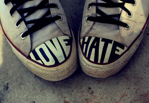 Del odio al amor. (Foto: mike rabum)