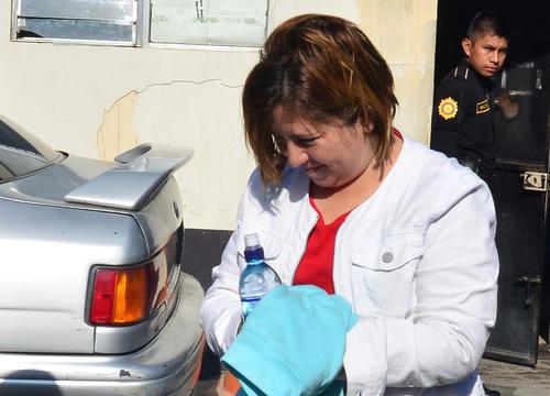 María Lizbeth Alonso fue ligada por asociación ilícita y fraude.
