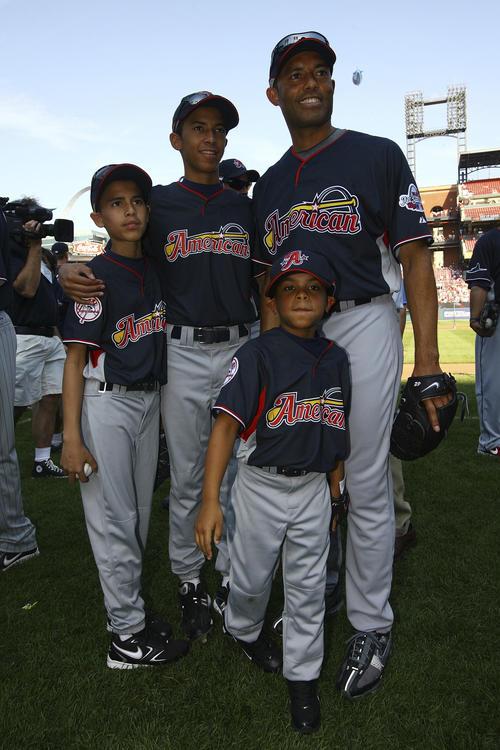 Los éxitos del pítcher panameño Mariano Rivera, hoy retirado, son un gran ejemplo para sus hijos.