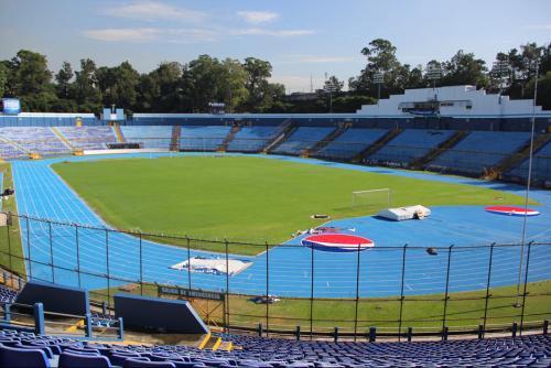 El coloso de la zona 5 será la sede del partido de vuelta. Los precios: Palco: Q.800; Tribuna: 200; Preferencia: 100 y Generales 50. (Foto: Archivo)