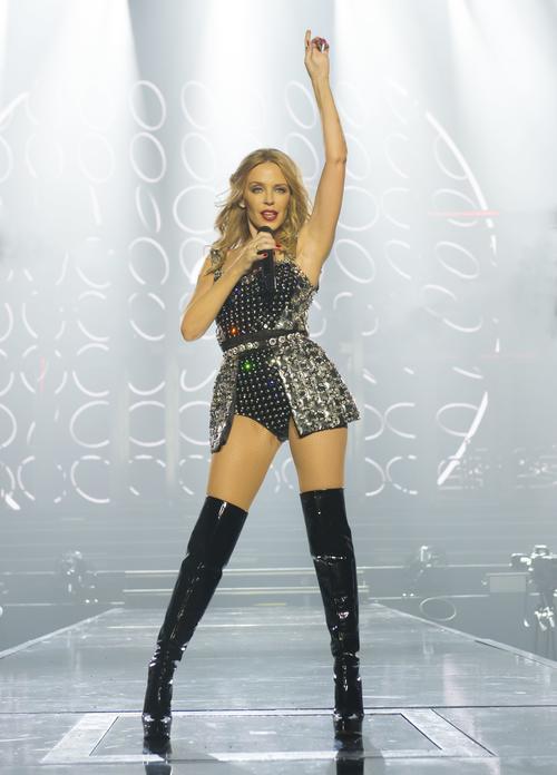La cantante australiana, Kylie Monogue, es la más pequeña de la lista. (Foto: Wonderland Magazine)
