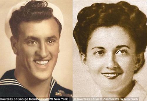 Fotografías de los supuestos protagonistas del beso más famoso. (Foto e-Marine education)
