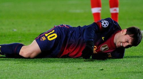 Messi sufrió una lesión en ligamento interno de la rodilla izquierda. (Foto: Noticias360)