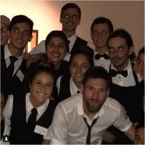 Esta es la imagen publicada en la cuenta de Instagram de una empleada de la empresa que atendió a los invitados.