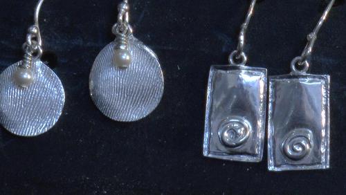 Los productos llevan las huellas de las artesanas. (Foto: Facebook)