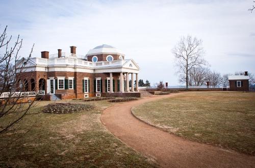Los presidentes de Francia y Estados Unidos se reunirán en la zona de Monticello, Virginia; en las tierras del tercer presidente estadounidense, Thomas Jefferson, donde conversarán de manera privada e informal (Foto: AFP)