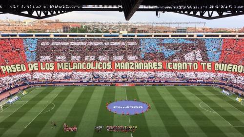 La afición colchonera despidió el estadio Vicente Calderón en el partido contra el Athletic de Bilbao. (Foto: Cuatro)
