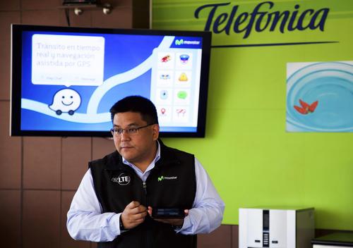 """Carlos Namisoto, Director de Marketing Telefónica Movistar, explicó que el nuevo formato """"Waze Chapín"""" es parte de una estrategia global que busca innovar. (Foto: Magui Medina/Soy502)"""