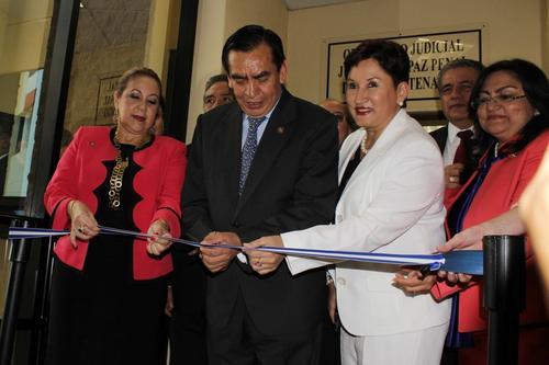 De izquierda a derecha; Los Magistrados de la Corte Suprema de Justicia (CSJ), Blanca Stalling y Felipe Baquix, Thelma Aldana, Fiscal del MP y la Magistrada Delia Marina Dávila (Foto: Ministerio Público)