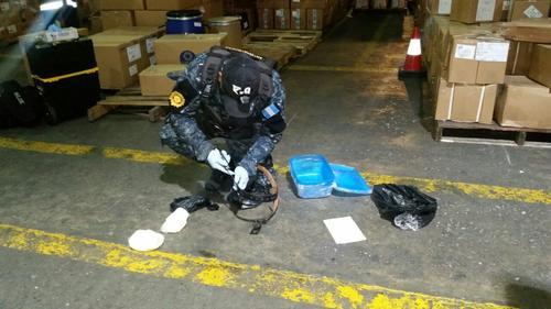 El hallazgo se realizó con la ayuda de un agente canino de la PNC. (Foto: PNC)