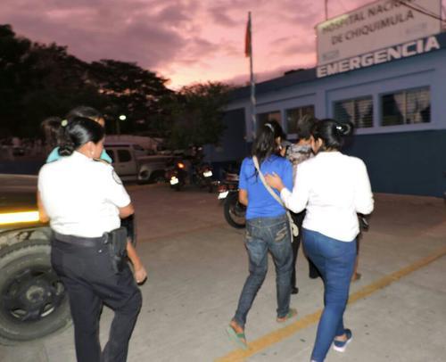 Tres niñas fueron rescatadas en Chiquimula, tres días después de que huyeran de su vivienda porque su padre las agredía físicamente. (Foto: PNC)