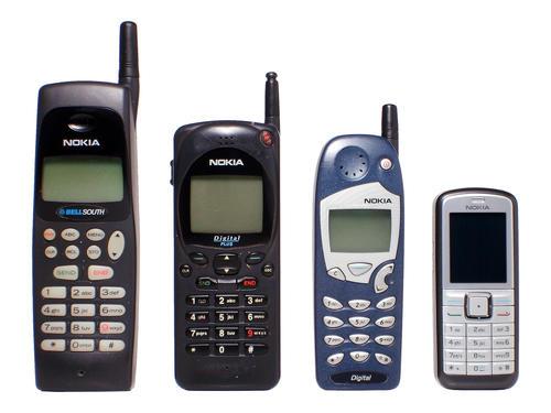 La mayoría de personas recuerda los modelos antiguos de celulares Nokia ya que se trató de su primer teléfono móvil; posteriormente los modelos se fueron modernizando (Foto: Archivo)