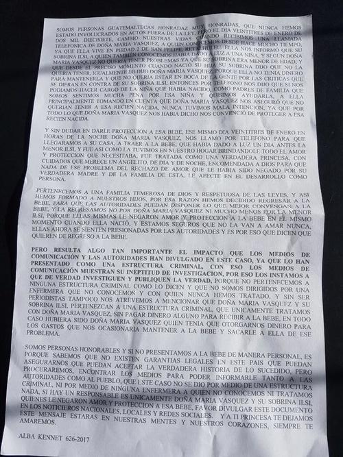 Esta es la nota que fue dejada junto a la recién nacida. (Foto: Facebook/ Mazatenango y REU Noticias)