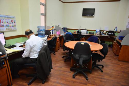 Algunos diputados de FCN, UCN, PP, Alianza Ciudadana UNE, MR y LIDER tienen hasta 3 oficinas a su disposición.