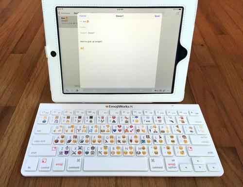 El teclado es compatible con varios dispositivos gracias a su conexión bluetooth. (Foto: emojiworks.co)