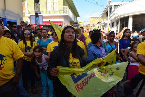 Cerca de 200 personas escucharon al candidato. (Foto: Jesús Alfonso/Soy502)